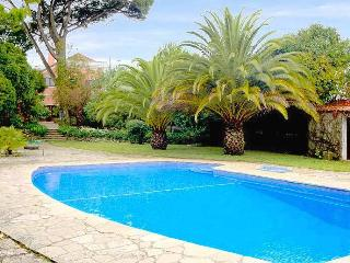 Charming 5 Bedroom Villa with Swimming Pool, Sesimbra