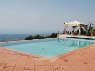 Casa Cappezano Holiday villa Tuscan coast - Rent this holiday villa on the