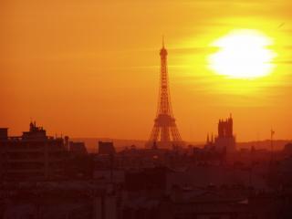 Eiffel Tower View Apartment Near the Bastille, París