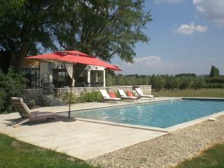 La Maison Joyeux holiday vacation villa rental provence france tarascon