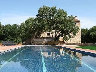 Villa Pyrennees Costa Brava Villa rental Girona, Serinya