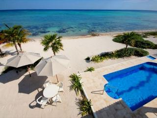 3 Bedroom, 2 Bath Beach House with Pool. AC, Wifi. A short drive to Tulum.