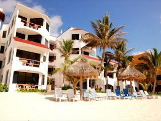 Cozy beachfront condo great for relaxing Caribbean Getaway