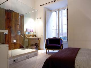 2 BR in El Born, central charming Vintage apt, Barcelona