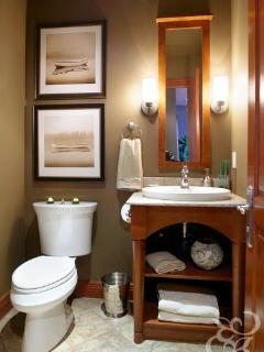 Full bathroom downstair (shared)