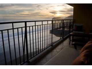 Vista Las Palmas 9A Oceanfront Condo Rental Jaco, Jacó