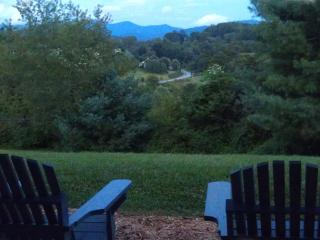 Breathtaking Views-7bd-4bt-discounts Feb. & March 10 min. to Asheville