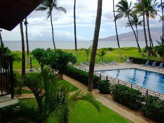 Waiohuli Beach Hale #C-210 Oceanfront Ocean View 2Bd/2Ba Full A/C Sleeps 6
