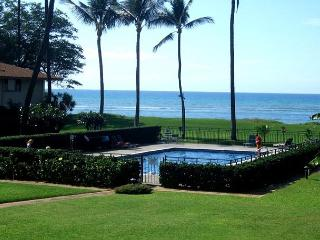 Waiohuli Beach Hale #B-205 Oceanfront Ocean View 1 Bd 1 Ba  Great Rates!!