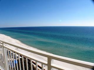Beachfront Condo That Sleeps 8! Open Week of 4/11, Panama City Beach