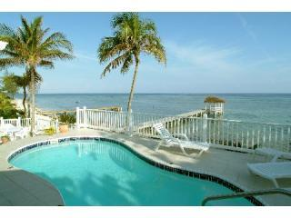 Luxury Beach Villa, Pool,Dock and Gazebo 4,5,6 BRs, North Side