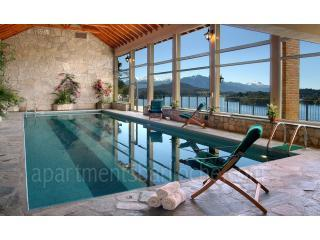 15 Meter Indoor Swimming Pool and Hot tub (H35)!!, San Carlos de Bariloche