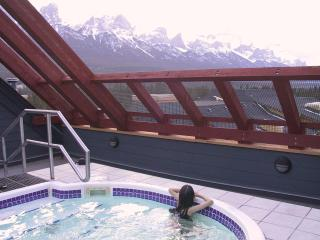 Rooftop hot-tub with 360 degree views