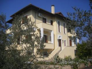 Apartments in seaside village south of  Volos, Amaliapoli