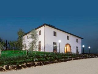 Elegant Villa in Tuscany with Indoor and Outdoor Pools - Villa Principessa, Castiglion Fiorentino