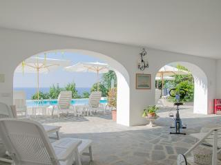 Large Villa in Praiano with Pool and Spectacular Views - Villa Tranquilla