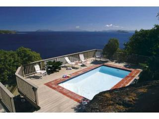 Villa Margarita - Private Pool and Endless Views, Peterborg