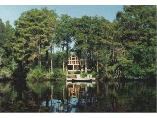 Secluded riverfront home near Georgia's coast!