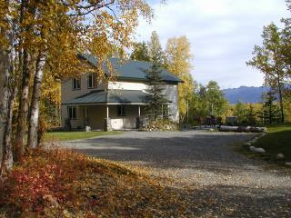 Rose Ridge: Vacation Chalet with a View!, Palmer