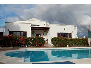 Lanzarote Villa Los Delfines, Pool, Jacuzzi, WIFI