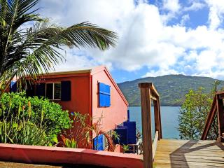 Casa Jo Mama ...200' directly on Magens Bay!, Peterborg