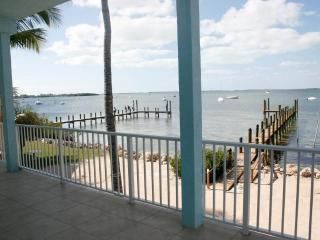 Bayside Retreat. Pool, Boat and Beach, Key Largo