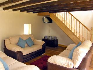 Y BWTHYN, family friendly, country holiday cottage, with hot tub in