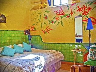 House/B&B- Sleeps 2-12, Swimming Pool, Views, San Miguel de Allende