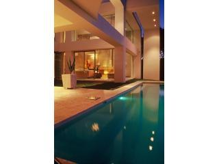 Luxury Camps Bay Villa to Rent