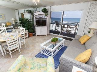 PI 314: Beautiful beachfront condo- balcony, pool, WiFi,Free Beach Service, Fort Walton Beach