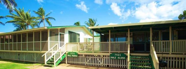 Hale Aloha & Hale Moana Beach Cottages