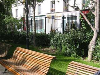 LOVELY Paris Apartment: Sleeps 4, Central, Calm