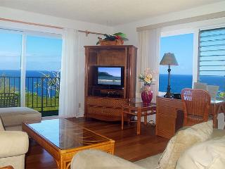 Alii Kai 7204: Oceanfront top floor corner condo, great for whale watching!, Princeville