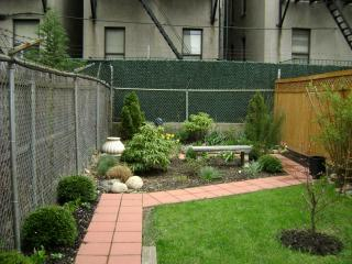 Spectacular Garden Arpartment in historical Harlem, holiday rental in New York City