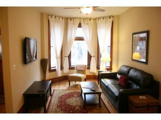 Living Area: Leather pullout, HDTV, DVD, Cable, Wireless Intern