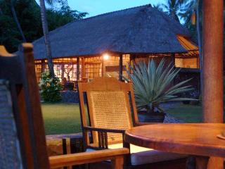 Ciliks Beach Garden, Beach Resort - Air Sanih Bali, Singaraja