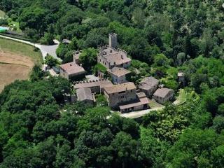 CASTELLO DI MONTALTO - 2 bedroom Villa in Chianti