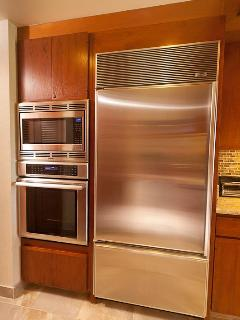 New stainless appliances-Thermador, Sub Zero, Bosch