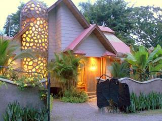 Marakay Vacation Villa, Mal Pais