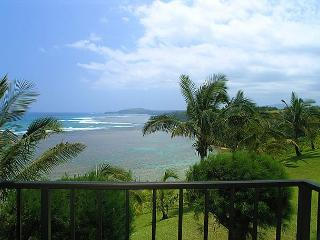 Sealodge E7: Oceanfront views all the way to the lighthouse in 1br/1ba, Princeville