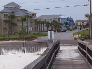 LOW Rise Townhouse w/ POOL, views and reviews!, Perdido Key