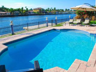 Casa Mar SPECTACULAR 4BR WATERFRONT HTD POOL BEACH HOME!, Lauderdale by the Sea