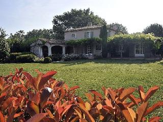 Mas Eygalieres Villa in Provence, St. Remy villa, holiday rental in St. Remy, villa in Eyalieres, Clugnat