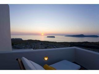 Santorini Luxury Villa with stunning sea views