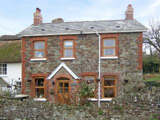 ELM COTTAGE, family friendly, with open fire in Westleigh, Ref 3792, Bideford