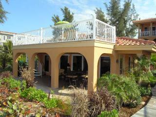 LaCasa Costiera on Beach Special 4-8 to 4-15 $3200., Isla Anna Maria