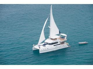 We offer a cruise on the luxury yacht Shangani at a special low price for villa guests. Up to 50 on a day cruise, 16 overnight.