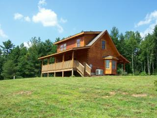 Fernwood Cabin - Close to Heaven, 1 mile from Blue Ridge Parkway/Now with WIFI