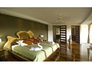 Guest Suite with King Size Bed