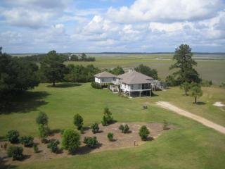 Endless Views - Deep Water with Boat Ramp & Pets, Edisto Island